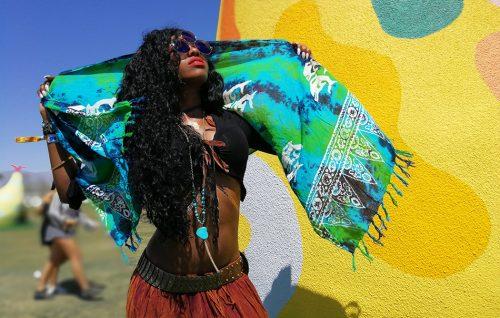 Tutti i colori del Coachella. Le foto del primo giorno di festival