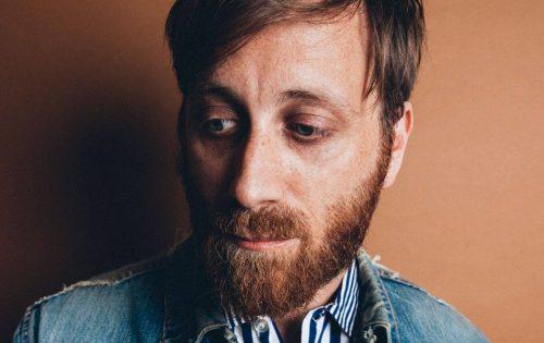 'King of a One Horse Town' è il nuovo, solitario, video di Dan Auerbach
