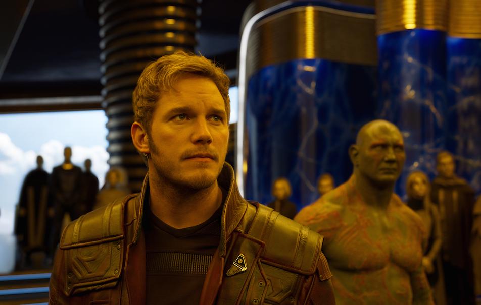 """Star-Lord/Peter Quill (Chris Pratt) e Drax (Dave Bautista) in una scena di """"Guardiani della Galassia vol.2"""" ©Marvel Studios 2017"""