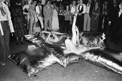 Festeggiamo il compleanno dello Studio 54 con 10 storie assurde