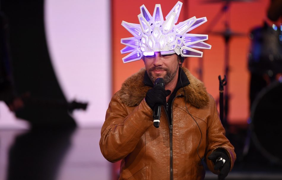 MILAN, ITALY - APRIL 02: Jay Kay of Jamiroquai performs on stage during 'Che Tempo Che Fa' tv show on April 2, 2017 in Milan, Italy. (Photo by Pier Marco Tacca/Getty Images)