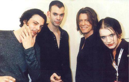 I Placebo condividono un video di quando suonarono con David Bowie