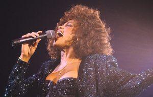 Il vero volto della regina nera in 'Whitney: Can I Be Me'