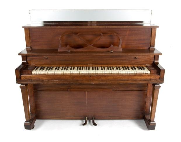 Il primo pianoforte di Elvis