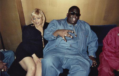 """Faith Evans (oggi 43 anni) in una foto d'epoca al fianco di Christopher """"Notorious"""" Wallace, ucciso il 9 marzo '97. Foto personale"""