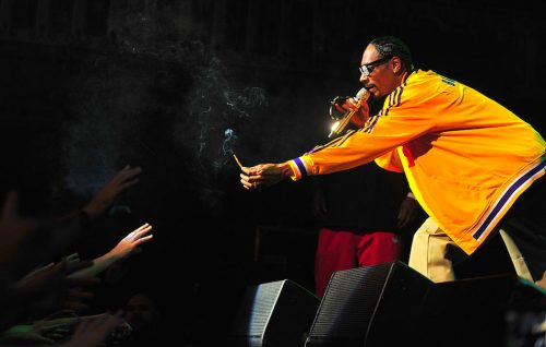Snoop Dogg porta la pace fra East e West Coast