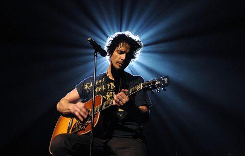 Jimmy Page, Nile Rodgers e tanti altri salutano Chris Cornell