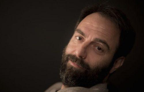 Neri Marcoré: «Quel mio primo concerto di Bennato…»
