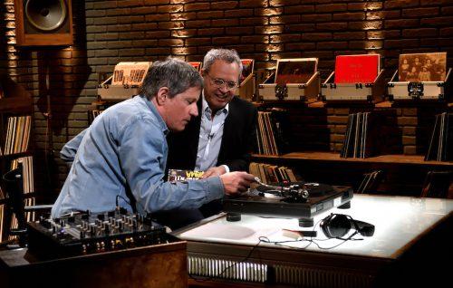 """Enrico Mentana e Riccardo Rossi in studio per """"I miei vinili"""""""