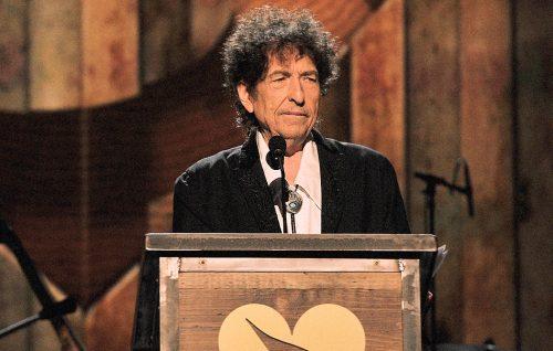 Bob Dylan ha plagiato il suo discorso per il Nobel?