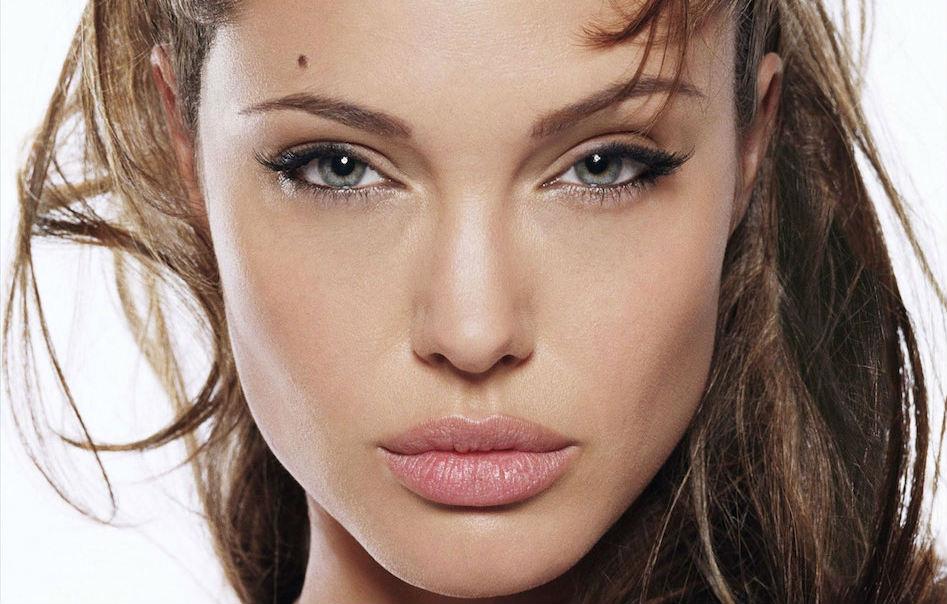 Angelina Jolie parla a Vanity Fair di un nuovo problema medico