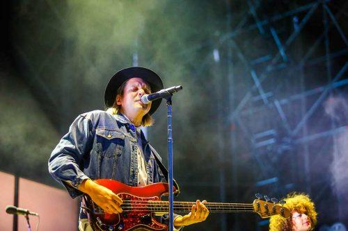 Gli Arcade Fire hanno suonato 'Linger' in onore di Dolores dei Cranberries