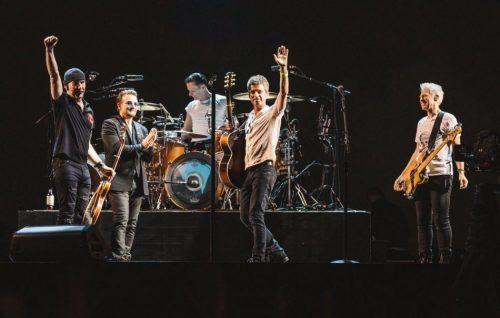 Noel Gallagher e Bono hanno suonato 'Don't Look Back in Anger'