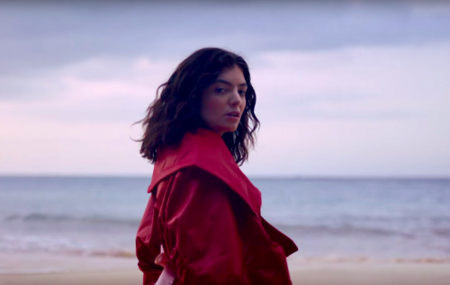 Lorde trova il suo paradiso nel video di 'Perfect Places'