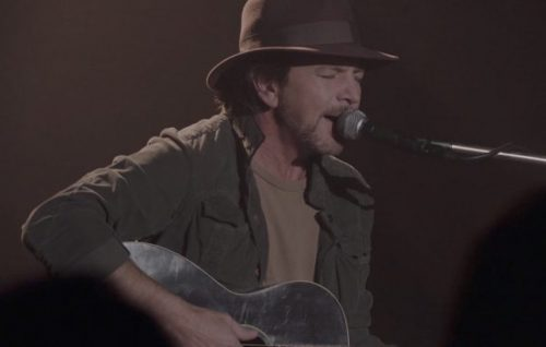 Guarda la performance di Eddie Vedder in 'Twin Peaks'