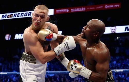 """«Conor, sei un gran campione», Mayweather vince la """"Money Fight"""""""