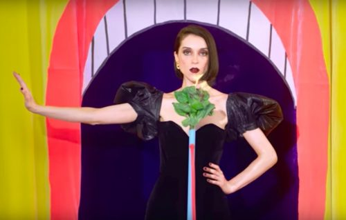La surreale New York di St. Vincent nel nuovo video