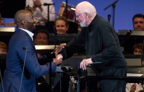 Kobe Bryant recita il suo addio al basket con il compositore di Star Wars