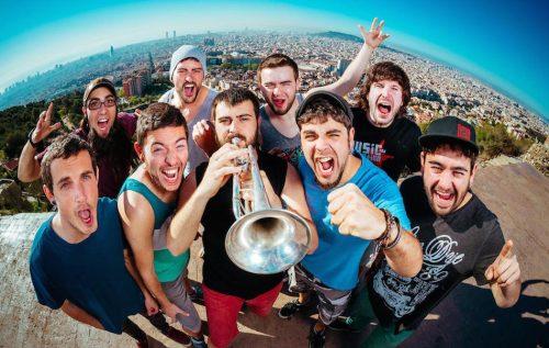 Barcellona e gli Txarango: «Orgogliosi di questa città. Anche nei momenti peggiori»