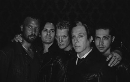 Queens of the Stone Age: balla o sparisci