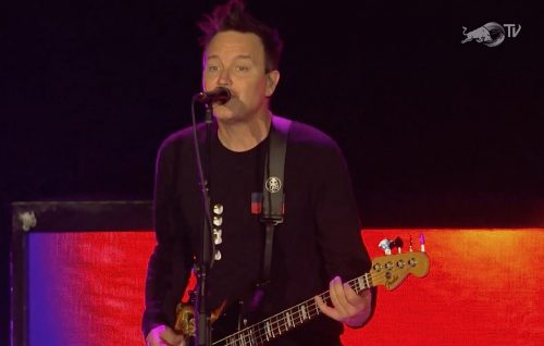"Blink-182, guarda ""What's my age again"" (18 anni dopo) live al Lollapalooza"