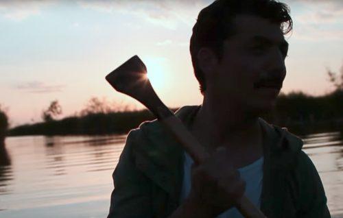 Gio Mannucci: guarda in anteprima il nuovo video 'Sotto la pioggia'