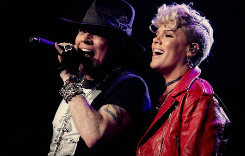 I Guns N' Roses duettano con Pink, guarda il video