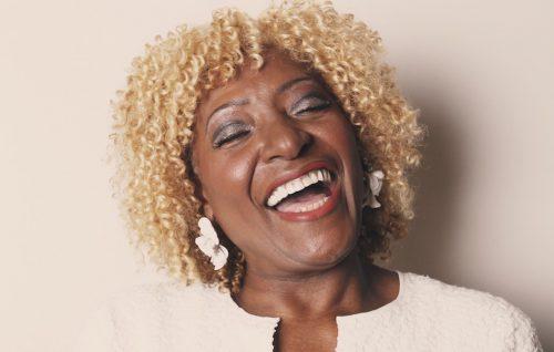 Martha High ha iniziato a collaborare con James Brown nel 1966.