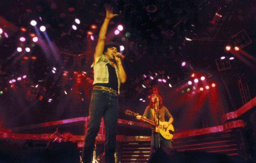 AC/DC, Brian Johnson rende omaggio a Malcolm Young