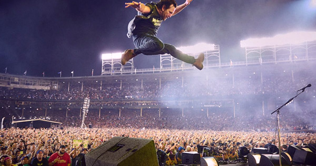 Pearl Jam, 'Let's Play Two' arriva al cinema