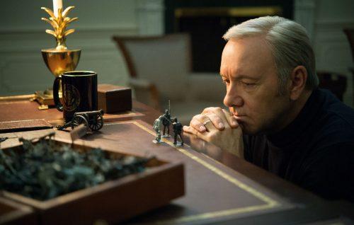 'House of Cards' continuerà senza Spacey, ma la produzione è ferma