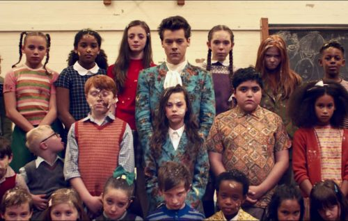 Harry Styles, guarda il video di 'Kiwi'