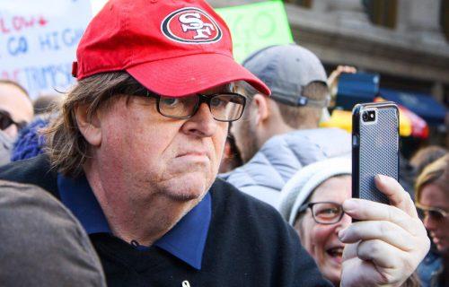 Michael Moore: «Trump è più furbo di tutti noi»
