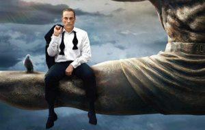 'Jean-Claude Van Johnson': senza esclusione di gag