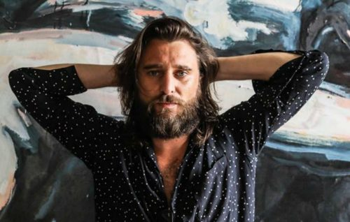 Nic Cester, il backstage del nuovo video 'Hard Times'