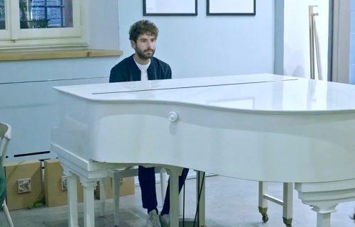 Cimini, in anteprima il nuovo video 'Sabato Sera'