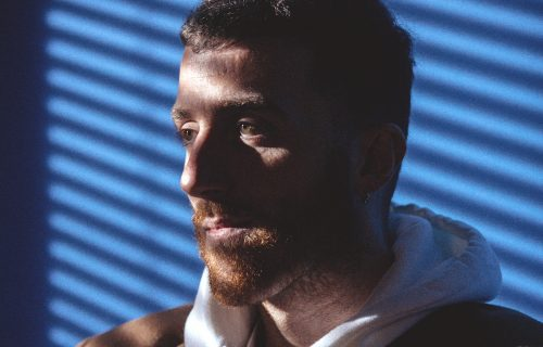 Mecna: «Nel rap racconto la mia insicurezza»