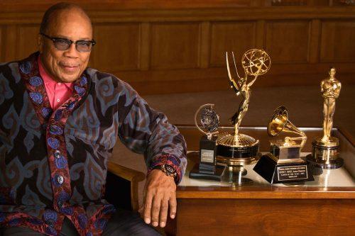 Quincy Jones la tocca piano: «I Beatles erano i peggiori musicisti al mondo»