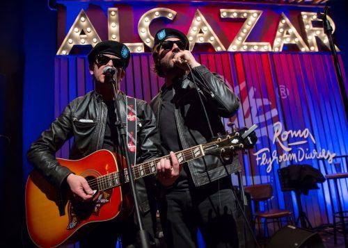 Federico Russo e Francesco Mandelli (aka gli Shazami) all'Alcazar Live di Roma per la seconda tappa di Flyroam Diaries, Timberland - Artwork di Fabio Persico