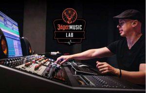 Luca Pretolesi, head mixing and mastering engineer dello Studio DMI lavorerà a stretto contatto con i dieci artisti seleziona per il progetto Jägermusic Lab - Foto Stampa