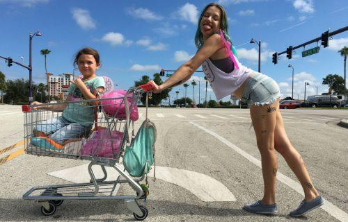 'Un sogno chiamato Florida', la clip in anteprima del nuovo film di Sean Baker