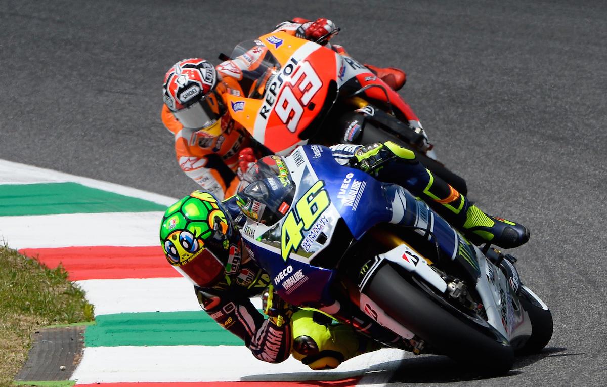 best service 1497a d6af9 Valentino Rossi con 'il calcio' a Marquez aveva ragione. Ma ...