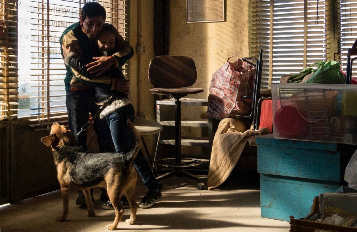 Marcello Fonte e Alida Calabria in 'Dogman'. Foto di Greta De Lazzaris.