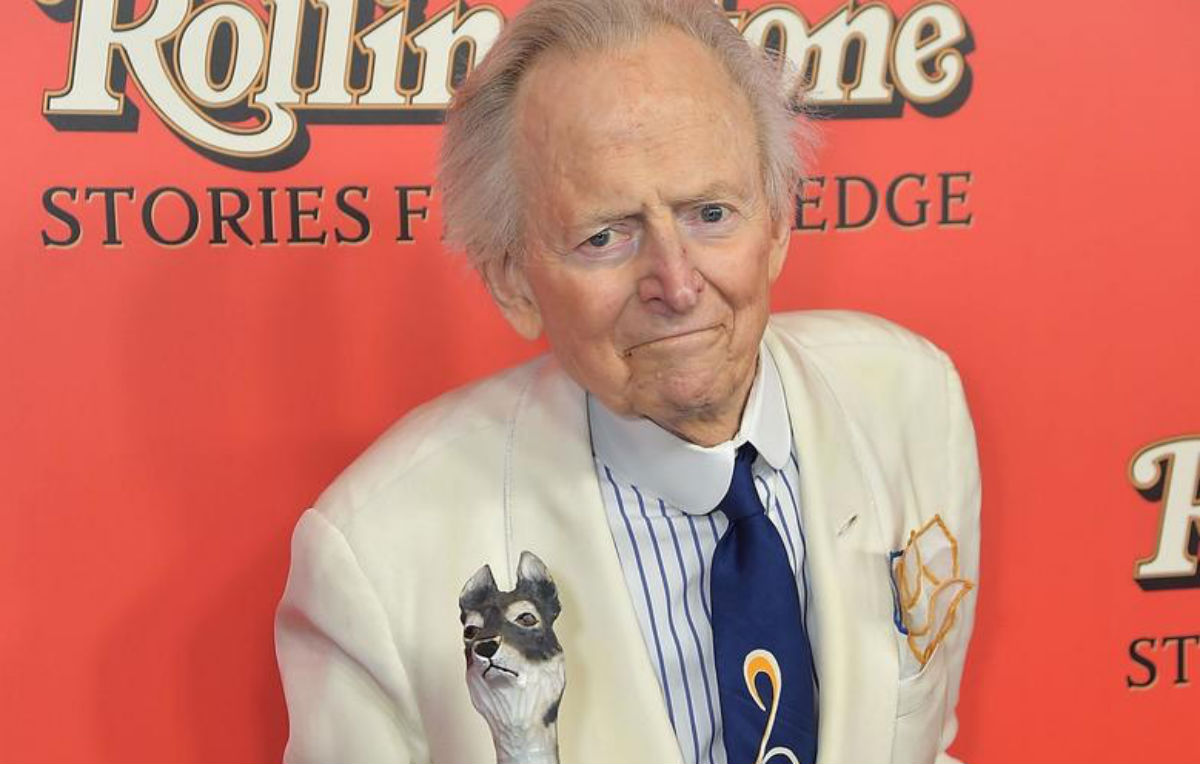 Tom Wolfe, journalist and author of Bonfire of the Vanities, dies aged 88