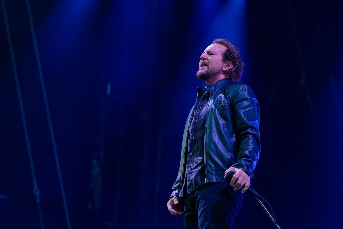 Eddie Vedder sul palco degli I-Days 2018 con i Pearl Jam. Credit: Laboratorio Studio.