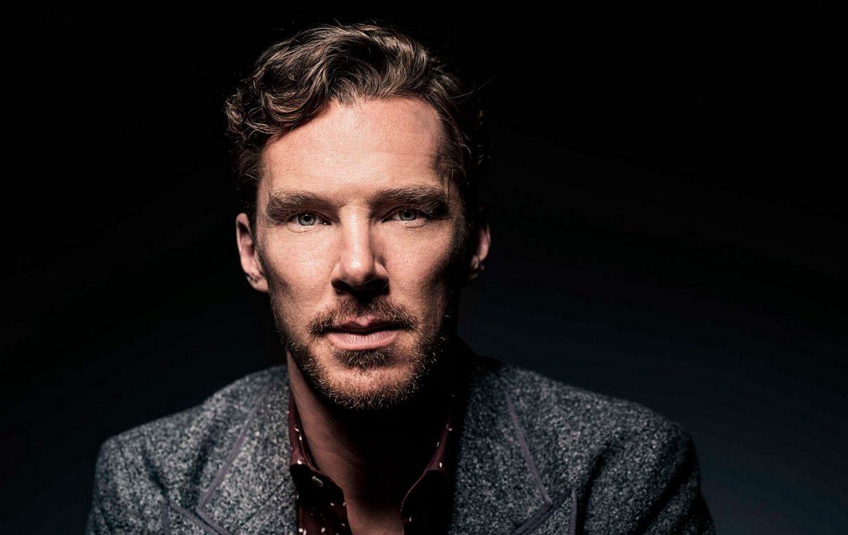 Londra, Sherlock Holmes salva dalla rapina un impiegato di Deliveroo