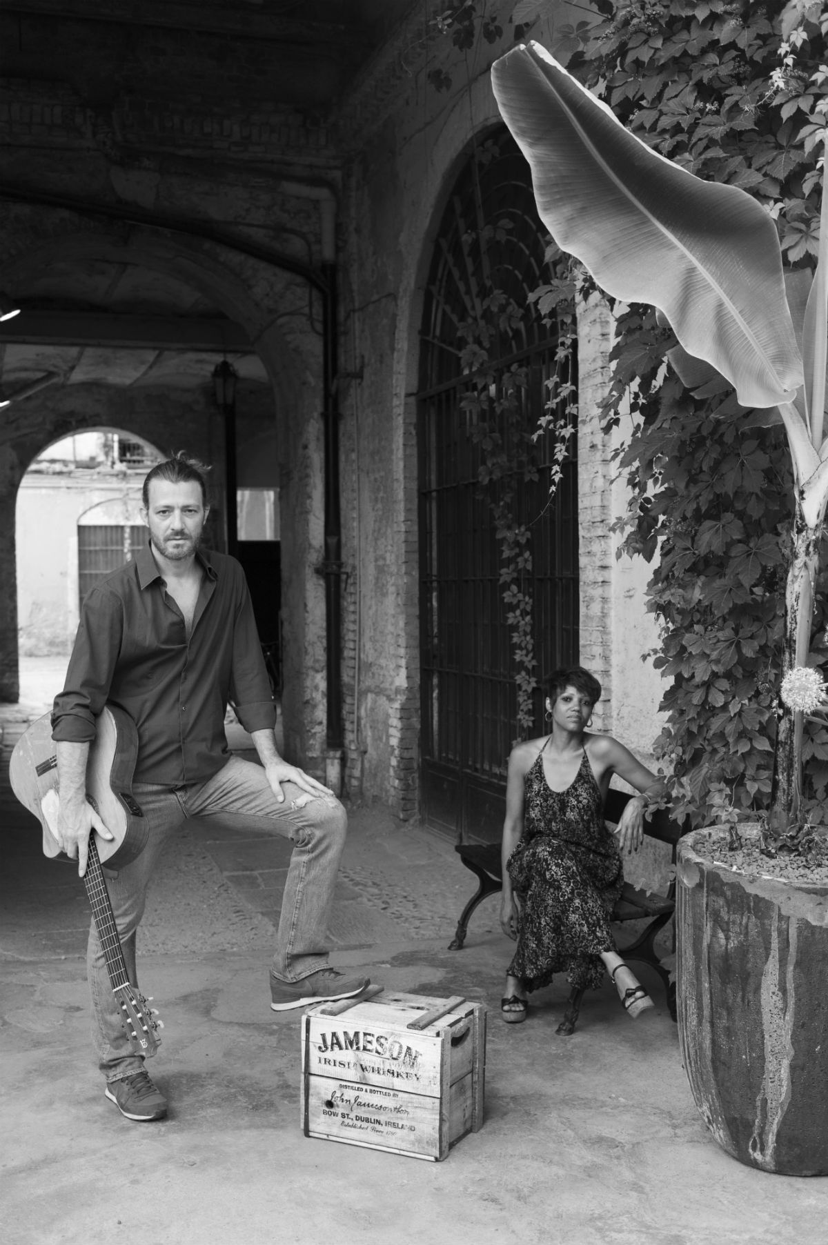 Oliviero Cerrini, nato a Milano e chitarrista professionista con la passione per il Brasile. Sogni nel cassetto: continuare sempre a girare il mondo con la chitarra in mano - Foto di Marlin Dedaj