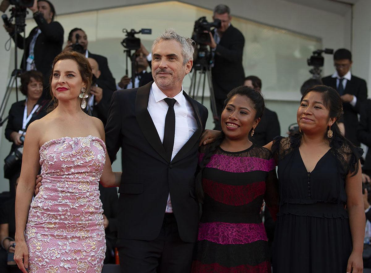 Alfonso Cuarón e il cast di 'Roma'. Foto di Karen Di Paola / ROCKETT.