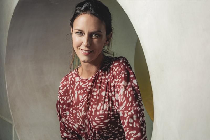 Caterina Guzzanti scattata in esclusiva per Rolling Stone da Fabrizio Cestari a Venezia 75. Make-up: Giorgio Armani Beauty.