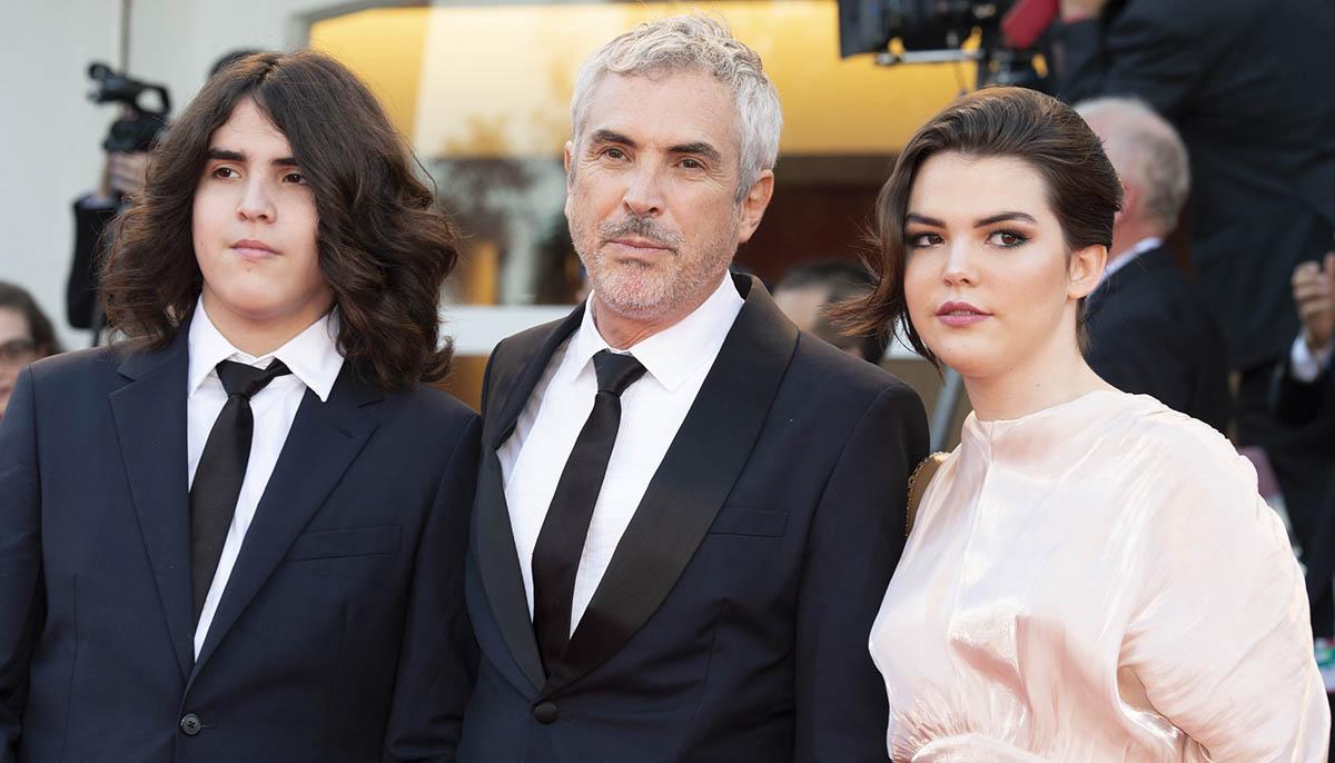 Alfonso Cuarón con i figli sul red carpet della cerimonia di chiusura di Venezia 75. Foto di Karen Di Paola / ROCKETT.